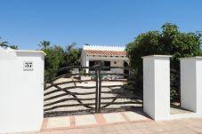 Villa en Calan Porter - Villa DOS PALMERAS