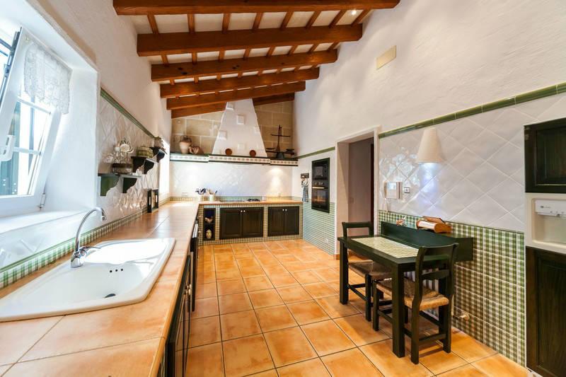 Casa Ses Cuarterades -cocina- MNKVillas