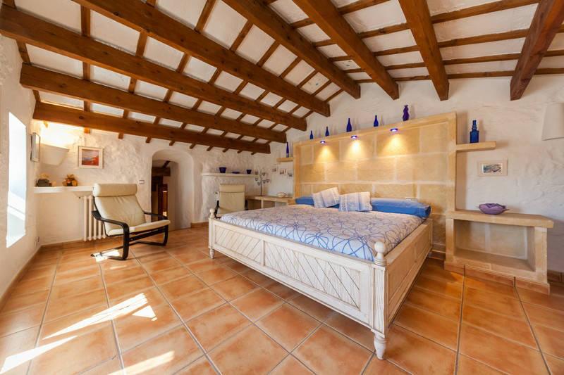 Casa Ses Cuarterades - dormitorio- MNKVillas