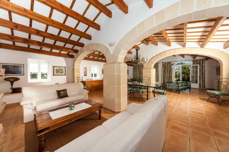 Casa Ses Cuarterades - salones- MNKVillas